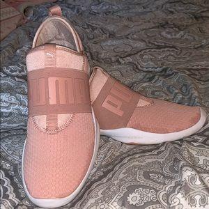 Size 8.5 Women's Puma Sneakers